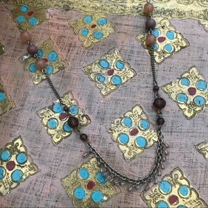 Jewelry - Neutral beaded necklace